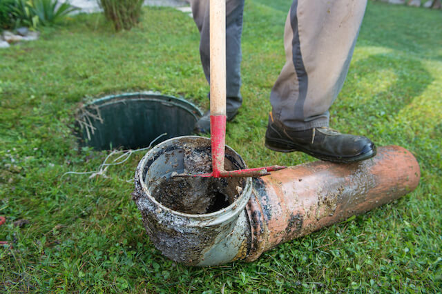 commercial sewer line cleaning
